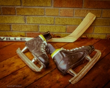 wbVintage-Hockey-Skates-and-Stick