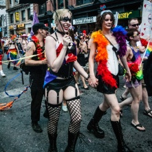 wbLesbians Marching in Gay Pride