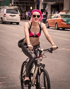 wbcyclist pink hair